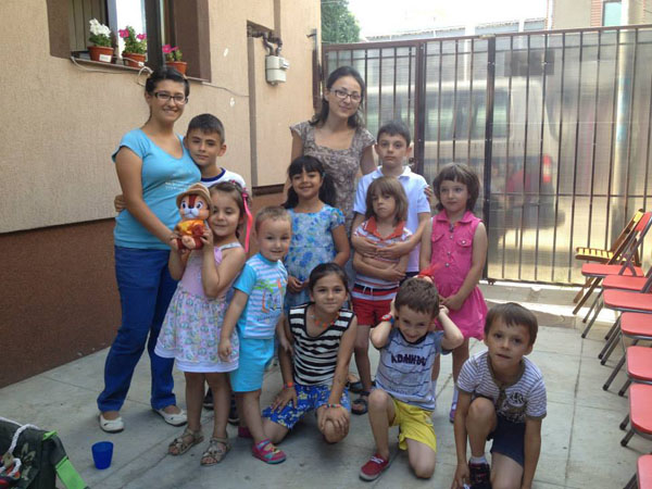 mihaela la copiii